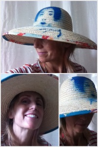 Pochoir sur chapeau. Stenciling on a straw hat.